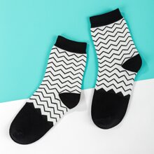 1pair Chevron Print Socks