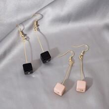 2 Paare Ohrringe mit geometrischem Anhaenger