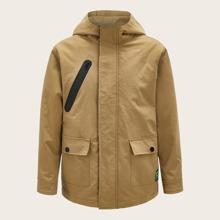Abrigo con capucha con bolsillo con solapa con cremallera