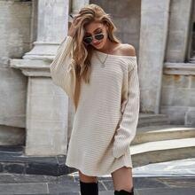 Langer Pullover mit Fledermausaermeln