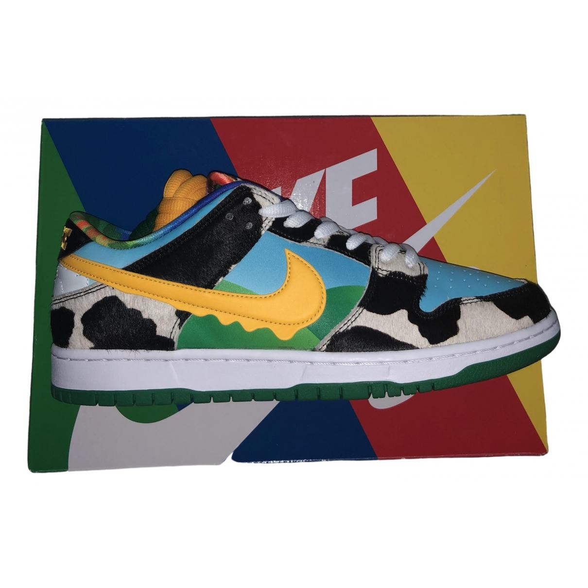 Nike SB Dunk  Sneakers in  Bunt Leder