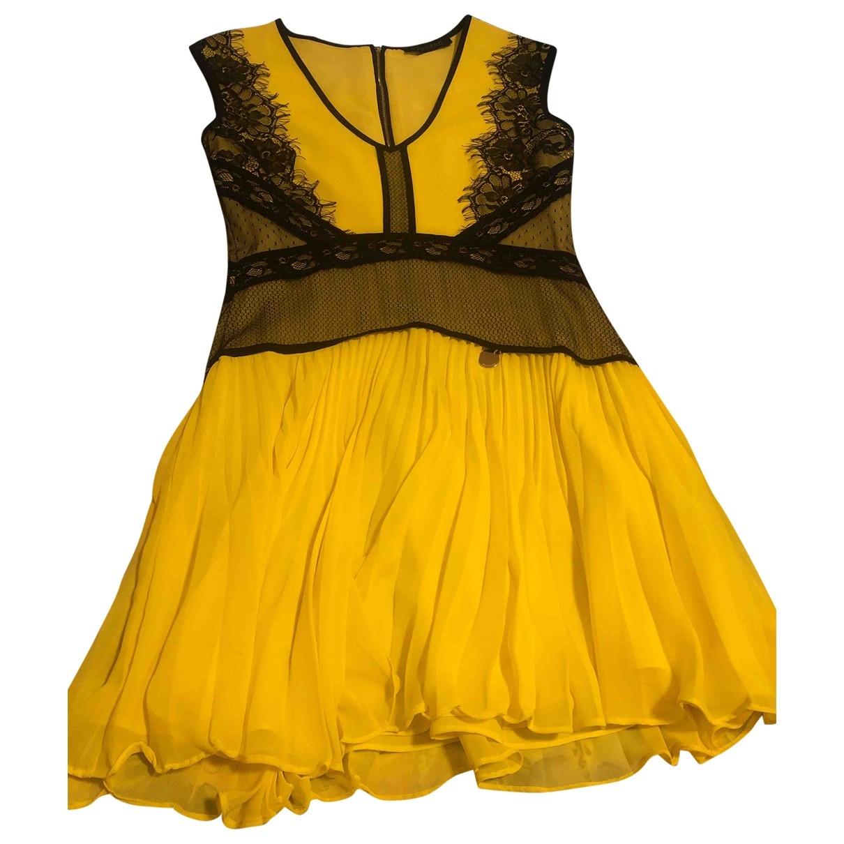 Mangano \N Kleid in  Gelb Polyester