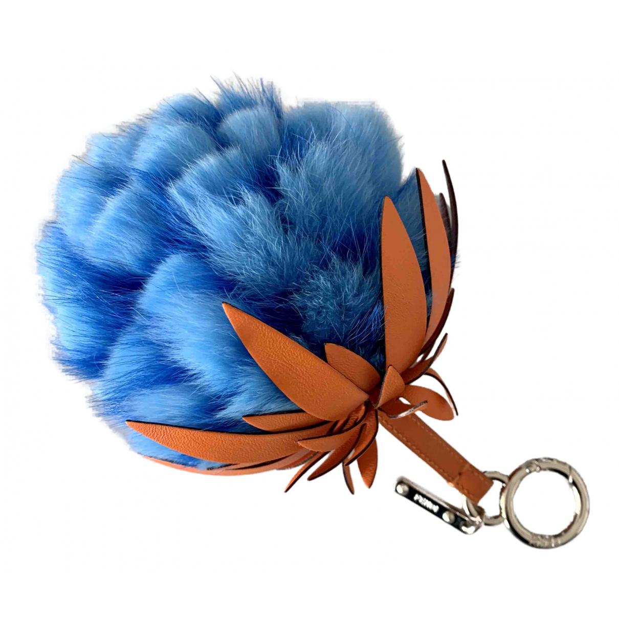 Fendi \N Taschenschmuck in  Blau Kaninchen