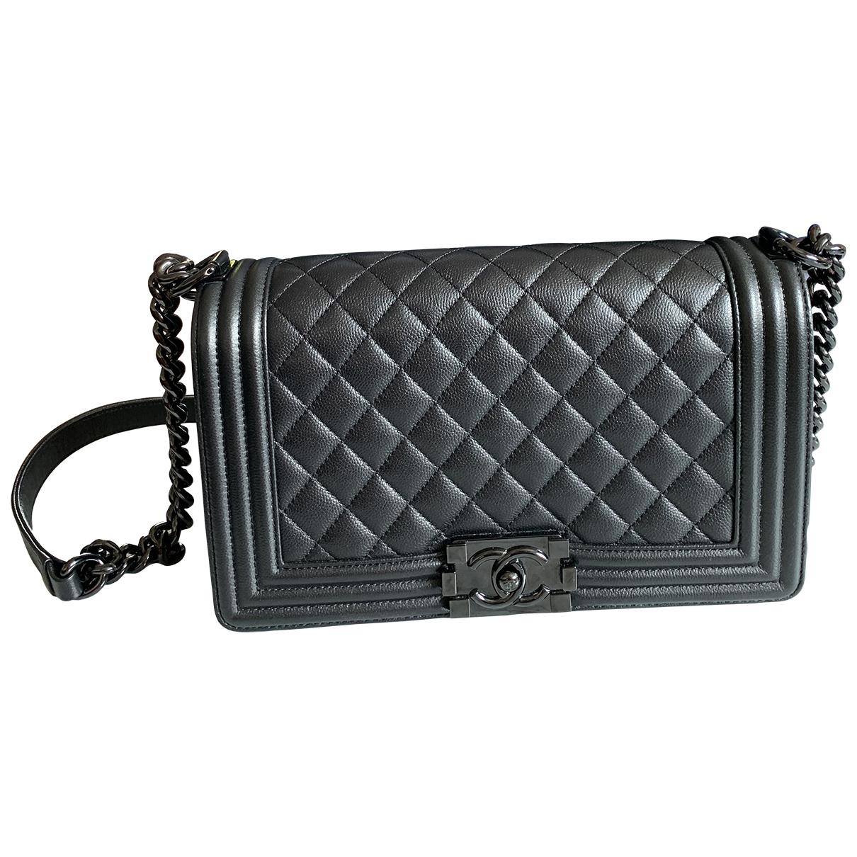 Chanel Boy Handtasche in  Schwarz Leder