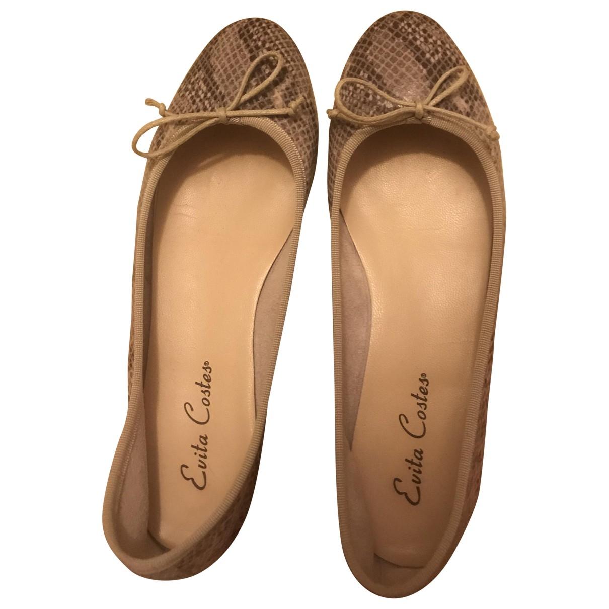 Non Signe / Unsigned \N Ballerinas in  Beige Leder