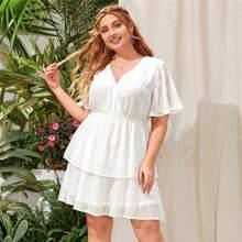 Grosse Grossen - Kleid mit V Kragen, Flatteraermeln und mehrschichtigem Saum