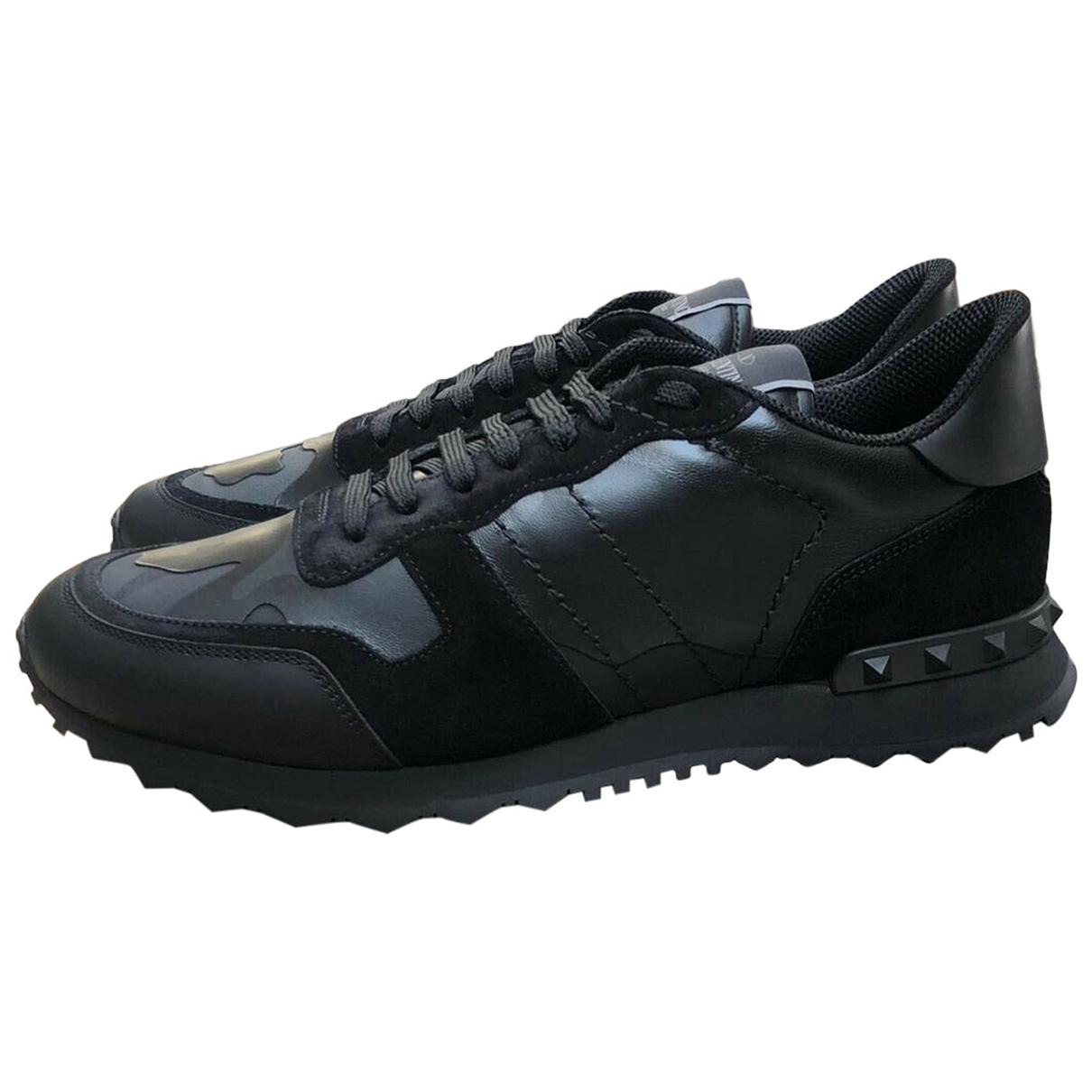 Valentino Garavani Rockrunner Black Leather Trainers for Men 40 EU