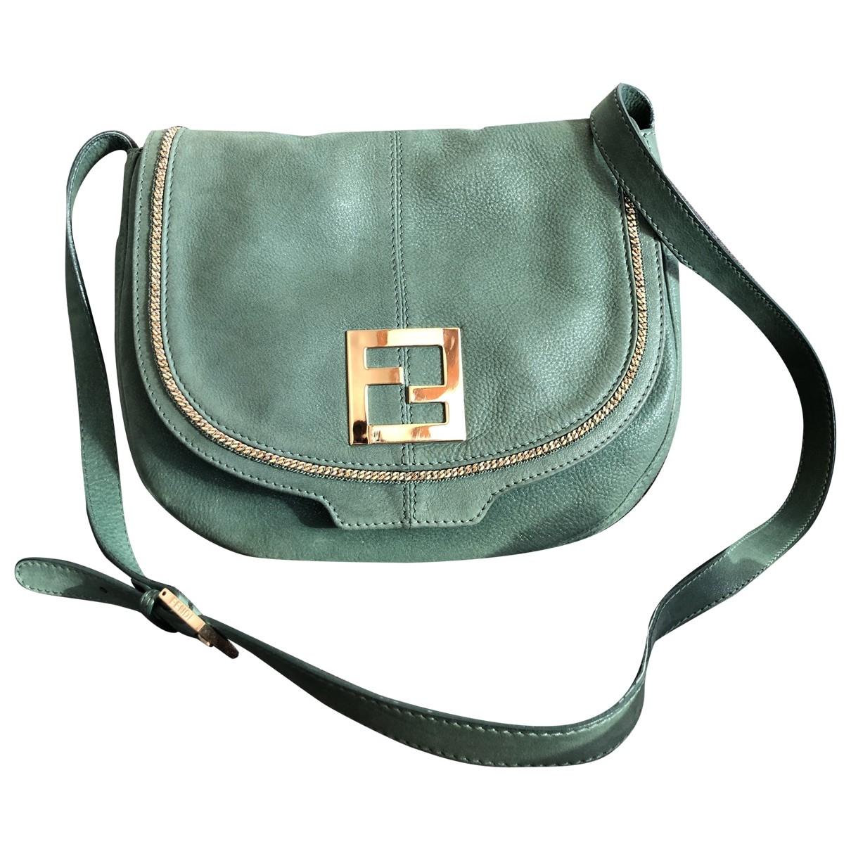 Fendi \N Handtasche in  Gruen Leder