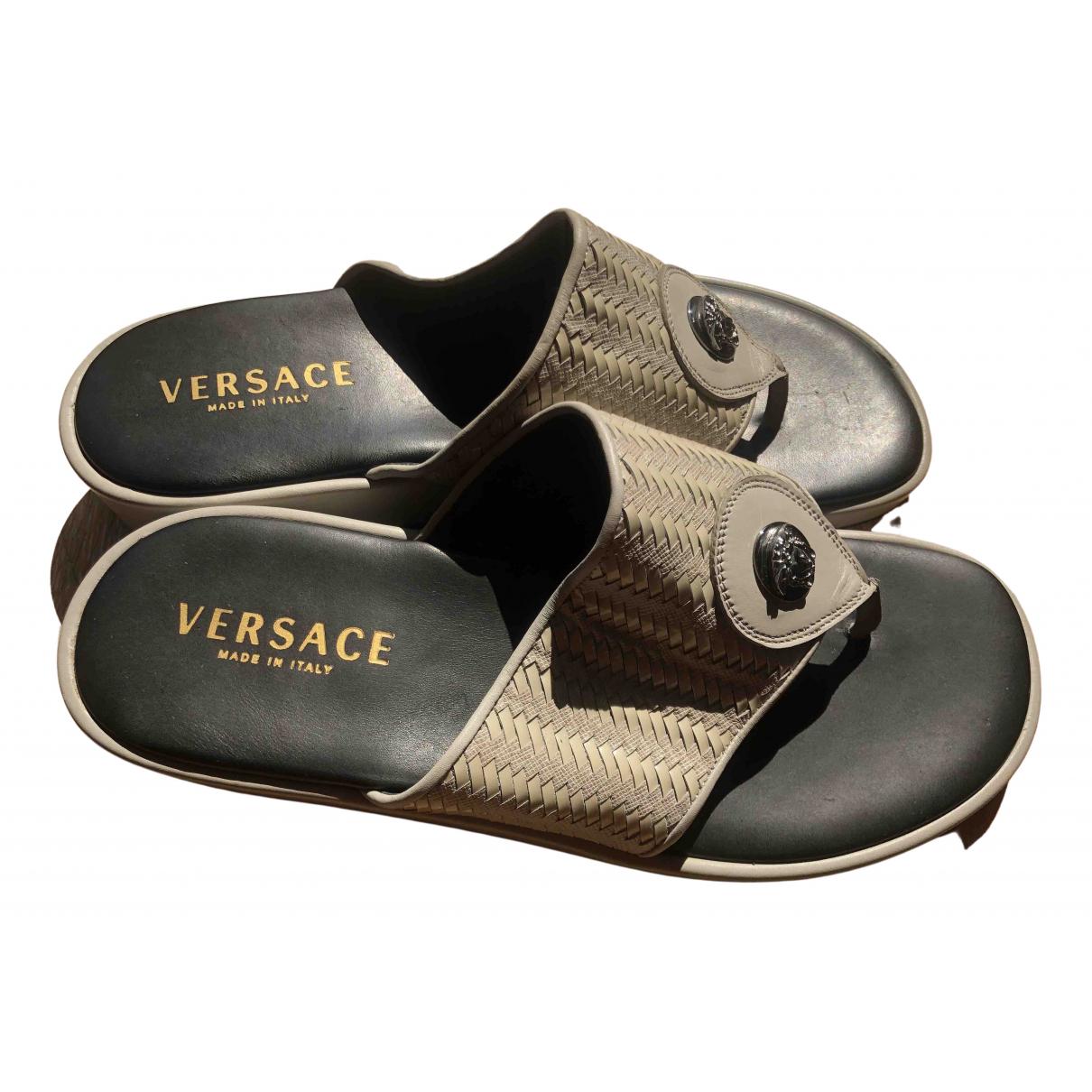 Versace \N Sandalen in  Grau Leder