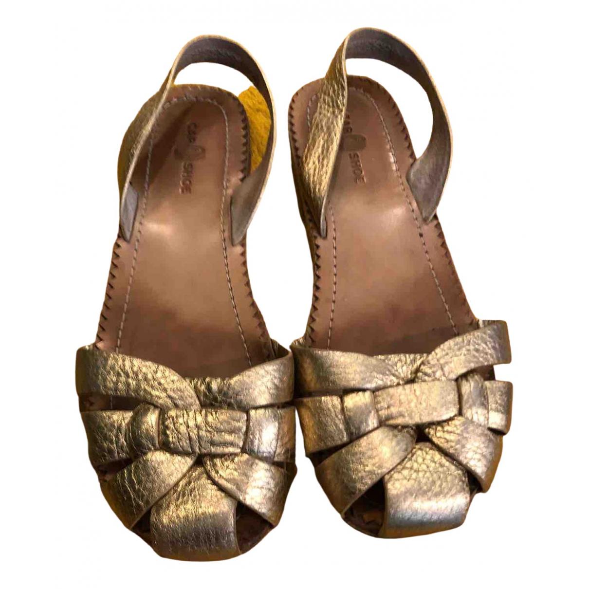 Carshoe \N Sandalen in  Gold Leder