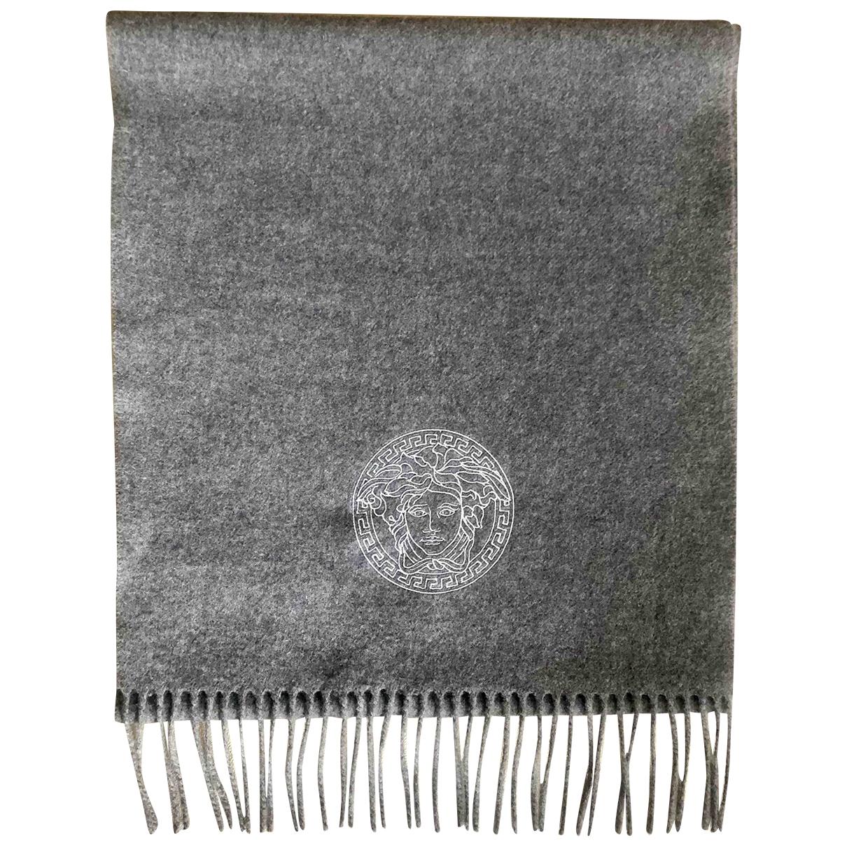 Versace - Cheches.Echarpes   pour homme en laine - gris