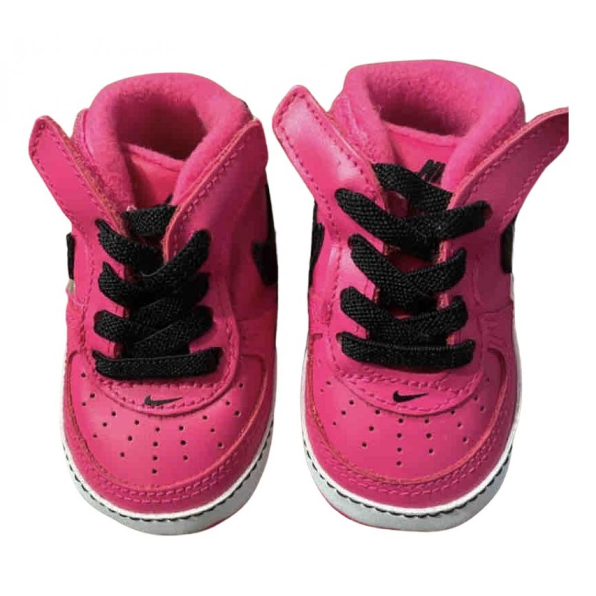 Nike - Baskets Air Force 1 pour enfant en cuir - rose