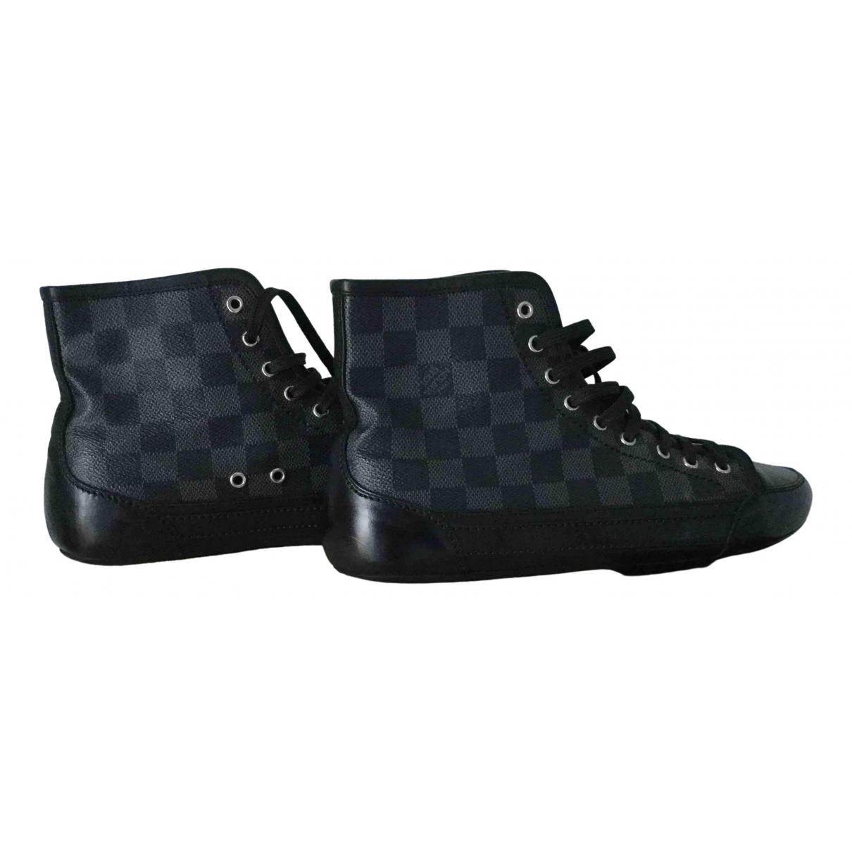 Louis Vuitton \N Black Cloth Trainers for Men 7 UK