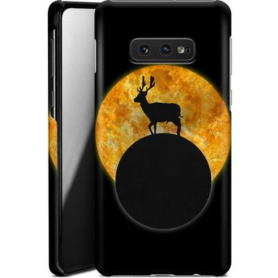 Samsung Galaxy S10e Smartphone Huelle - Deer on the Moon von Barruf