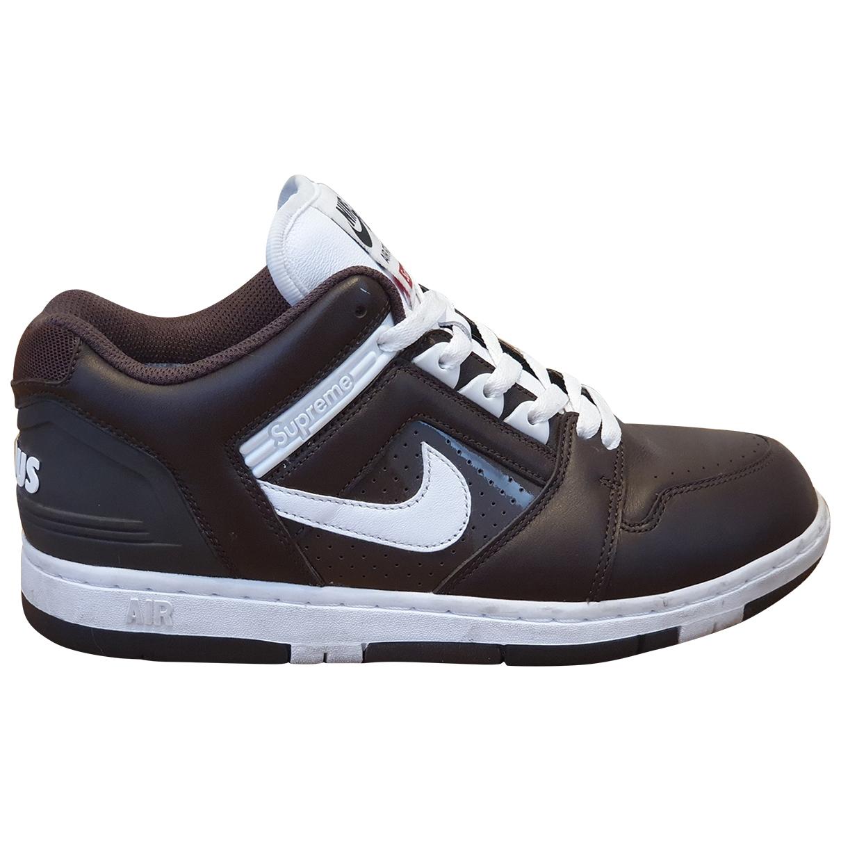 Nike X Supreme - Baskets SB Air Force 2 Low pour homme en cuir - marron