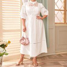 Kleid mit Rueschen am Kragen, Stickereien, Netzstoff und Guipure Spitzen Einsatz