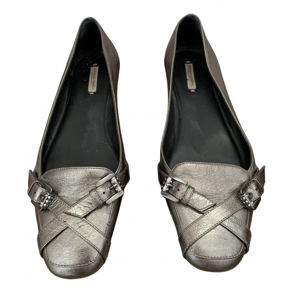 Bottega Veneta \N Silver Leather Flats for Women 39 EU