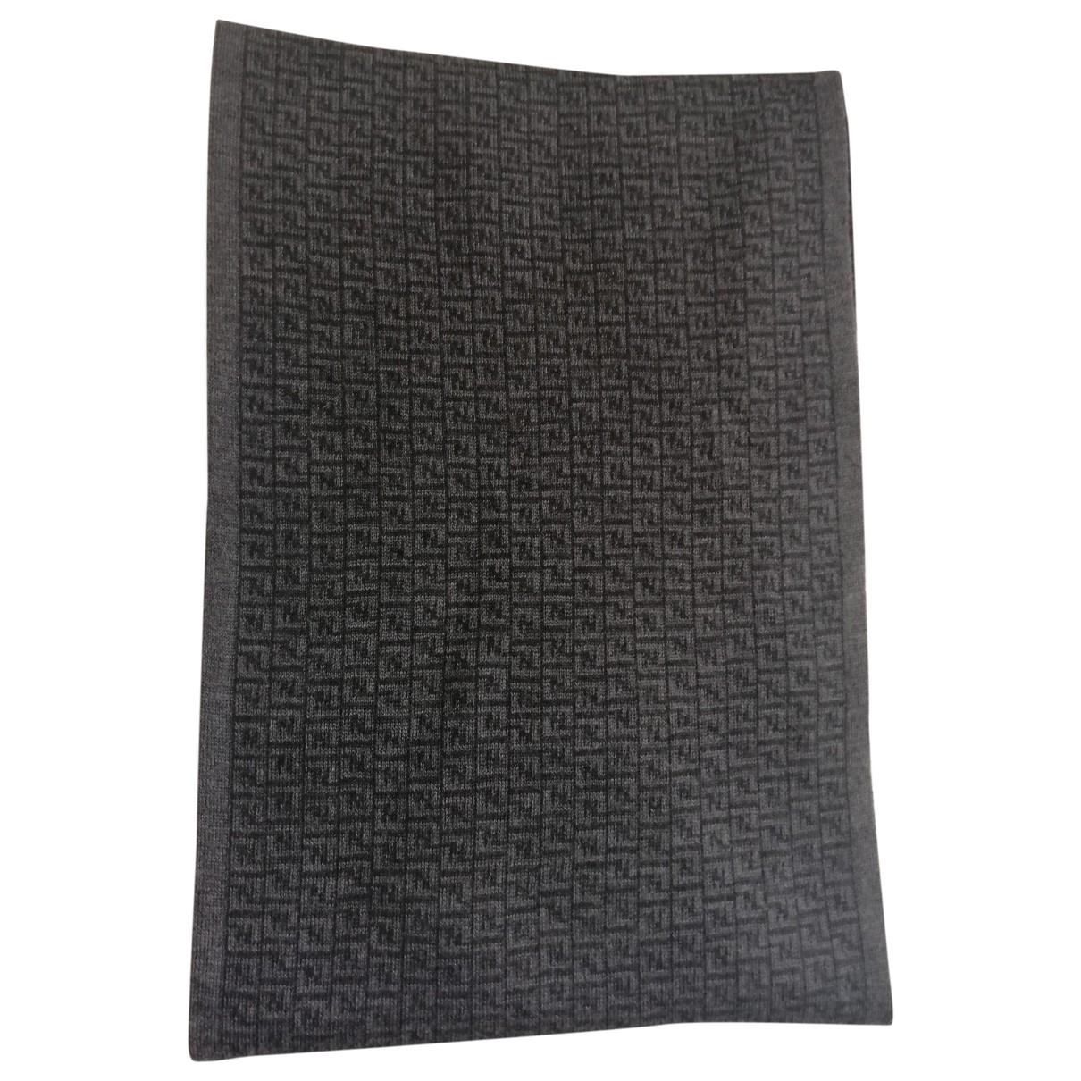Fendi \N Grey Wool scarf for Women \N