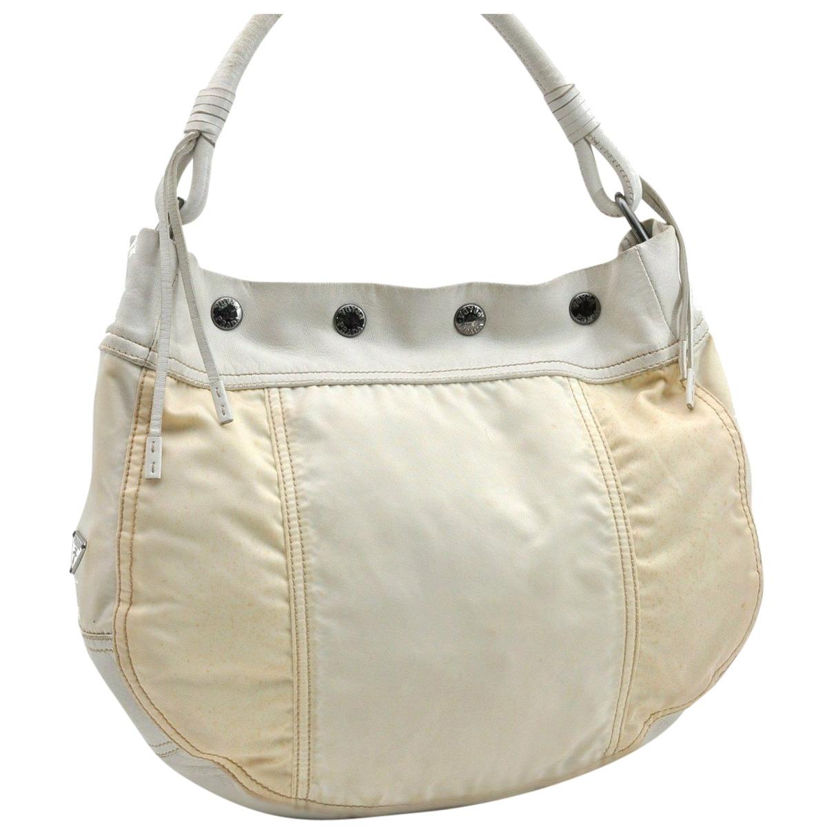 Prada \N Handtasche in  Weiss Kunststoff