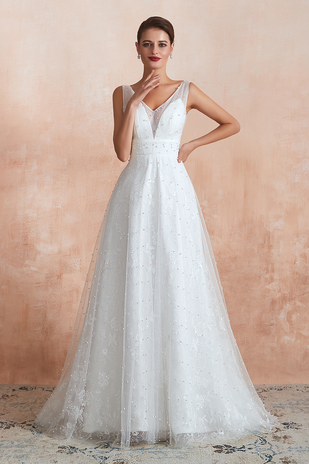 BMbridal Fantastic V-Neck Sleeveless White Appliques Wedding Dress With Pearls