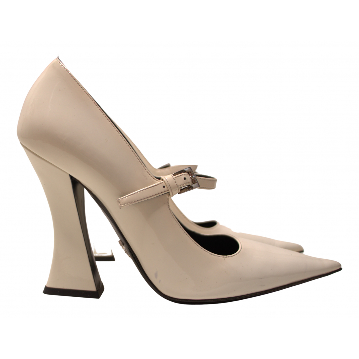 Prada Mary Jane Pumps in  Weiss Lackleder