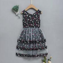 Kleinkind Maedchen Kleid mit Blumen Netzstoff und mehrlagigem Saum