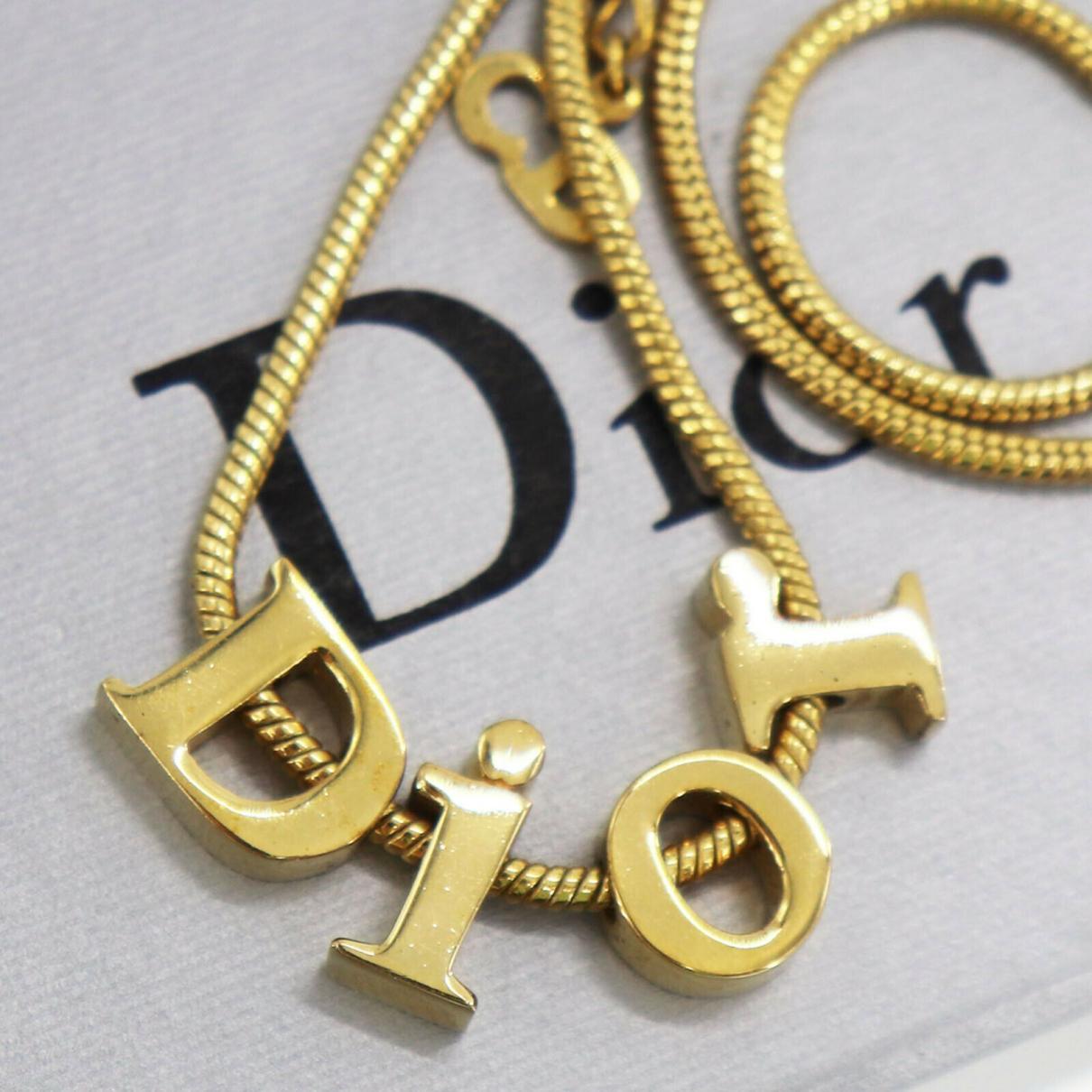 Christian Dior - Collier   pour femme en plaque or