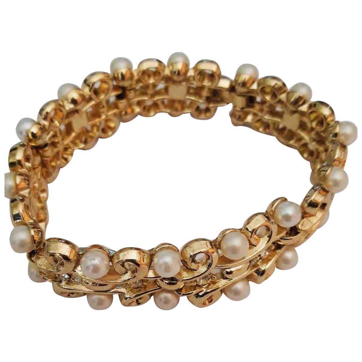 Trifari \N Armband in  Gold Metall