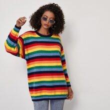 Pullover mit sehr tief angesetzter Schulterpartie und Regenbogen Streifen
