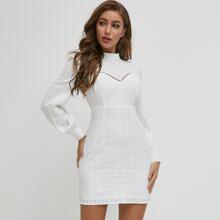 SBetro Kleid mit Stehkragen und Spitzen Einsatz