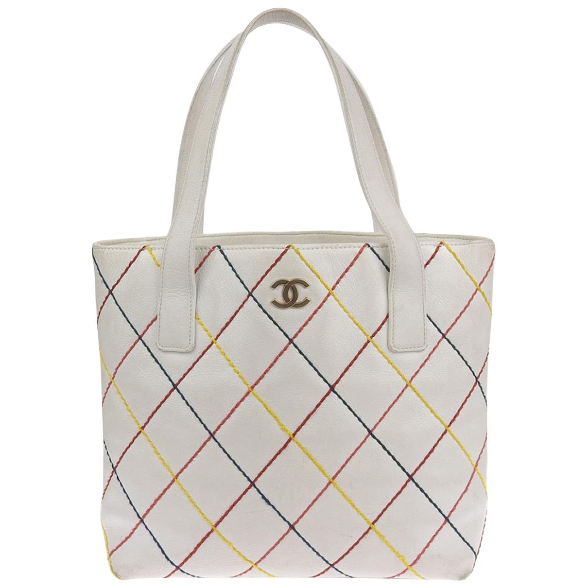 Chanel \N White Leather handbag for Women \N