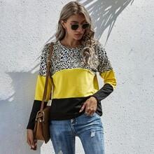 Camiseta con estampado de leopardo panel en contraste