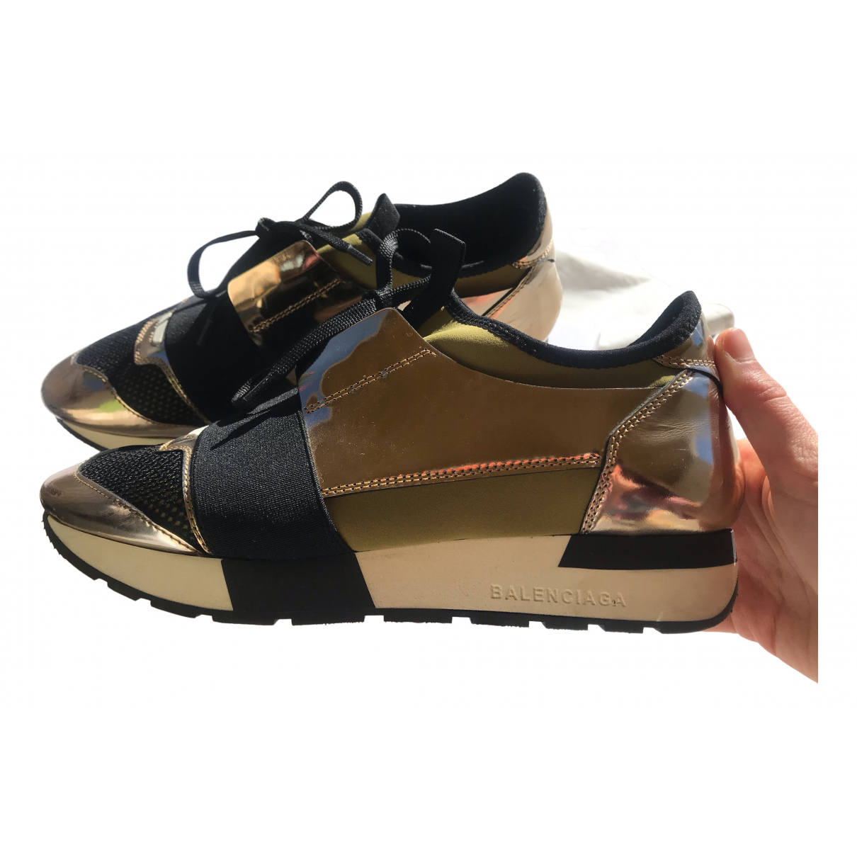 Balenciaga Race Sneakers in  Gold Leder