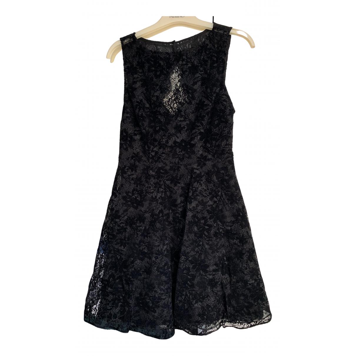 Alice & Olivia \N Kleid in  Schwarz Spitze