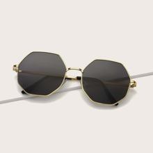 Sonnenbrille mit Polygon Metallrahmen