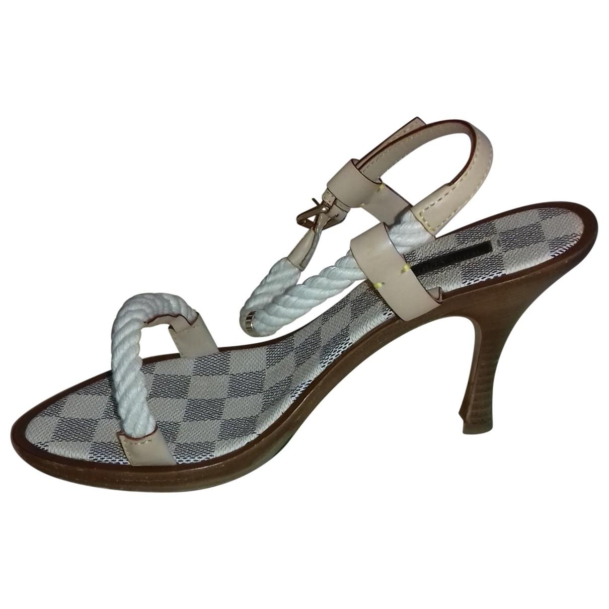 Louis Vuitton \N Ecru Cloth Sandals for Women 38 EU
