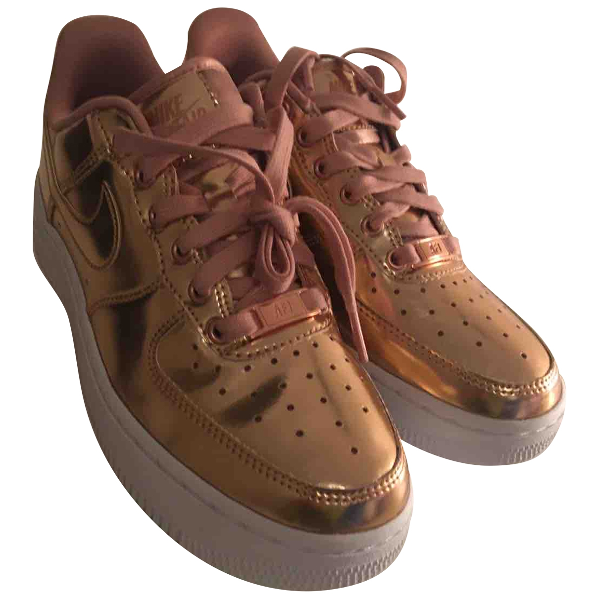 Nike Air Force 1 Sneakers in  Rosa Lackleder