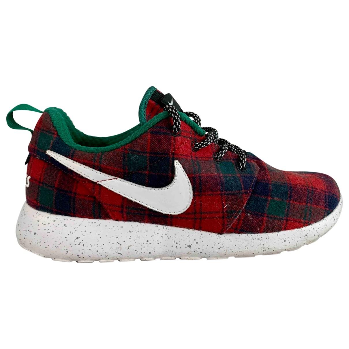 Nike - Baskets Roshe Run pour femme en tweed - rouge