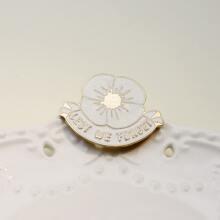 Brosche mit Blumen Design