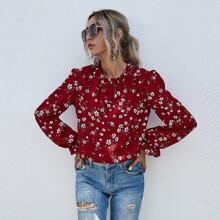 Bluse mit Schosschenaermeln, Ruesche am Kragen und Blumen Muster