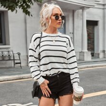Pullover mit Streifen und sehr tief angesetzter Schulterpartie