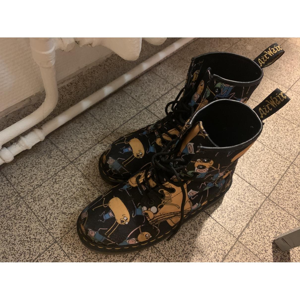 Dr. Martens - Boots 1460 Pascal (8 eye) pour femme en toile - multicolore