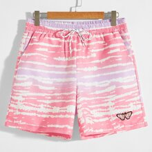 Men Butterfly Patched Drawstring Waist Shorts