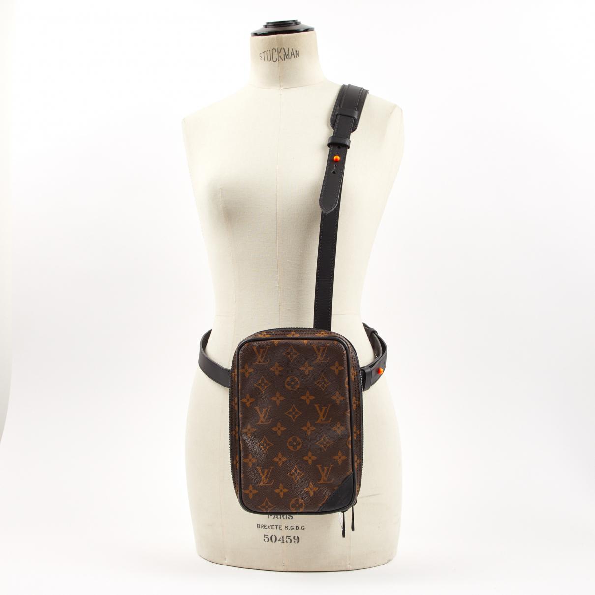Louis Vuitton - Sac Utility pour homme en toile - marron