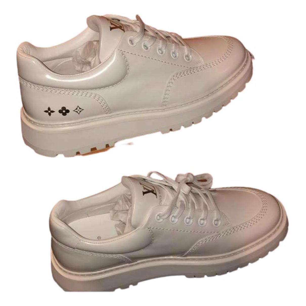 Louis Vuitton \N Sneakers in  Weiss Lackleder