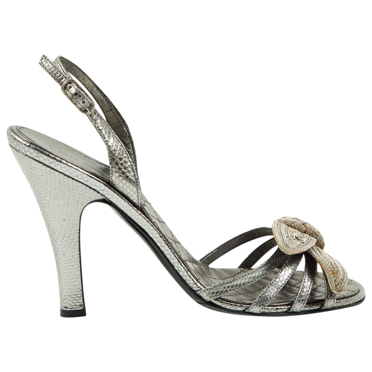 Chanel \N Sandalen in  Silber Leder