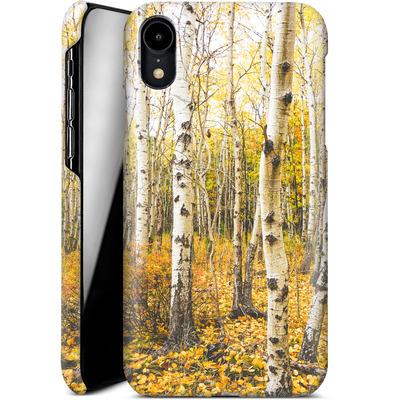 Apple iPhone XR Smartphone Huelle - Fallen Leaves  von Joy StClaire