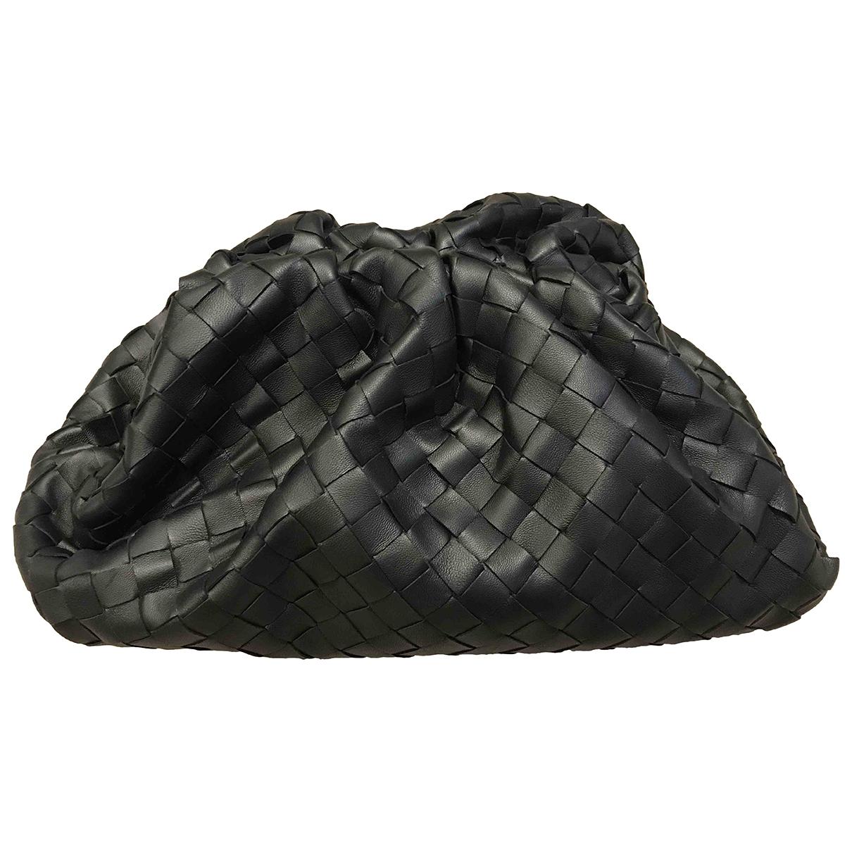 Bottega Veneta Pouch Black Leather Clutch bag for Women \N