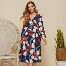 Simple Flavor Kleid mit Blumen Muster und Guertel