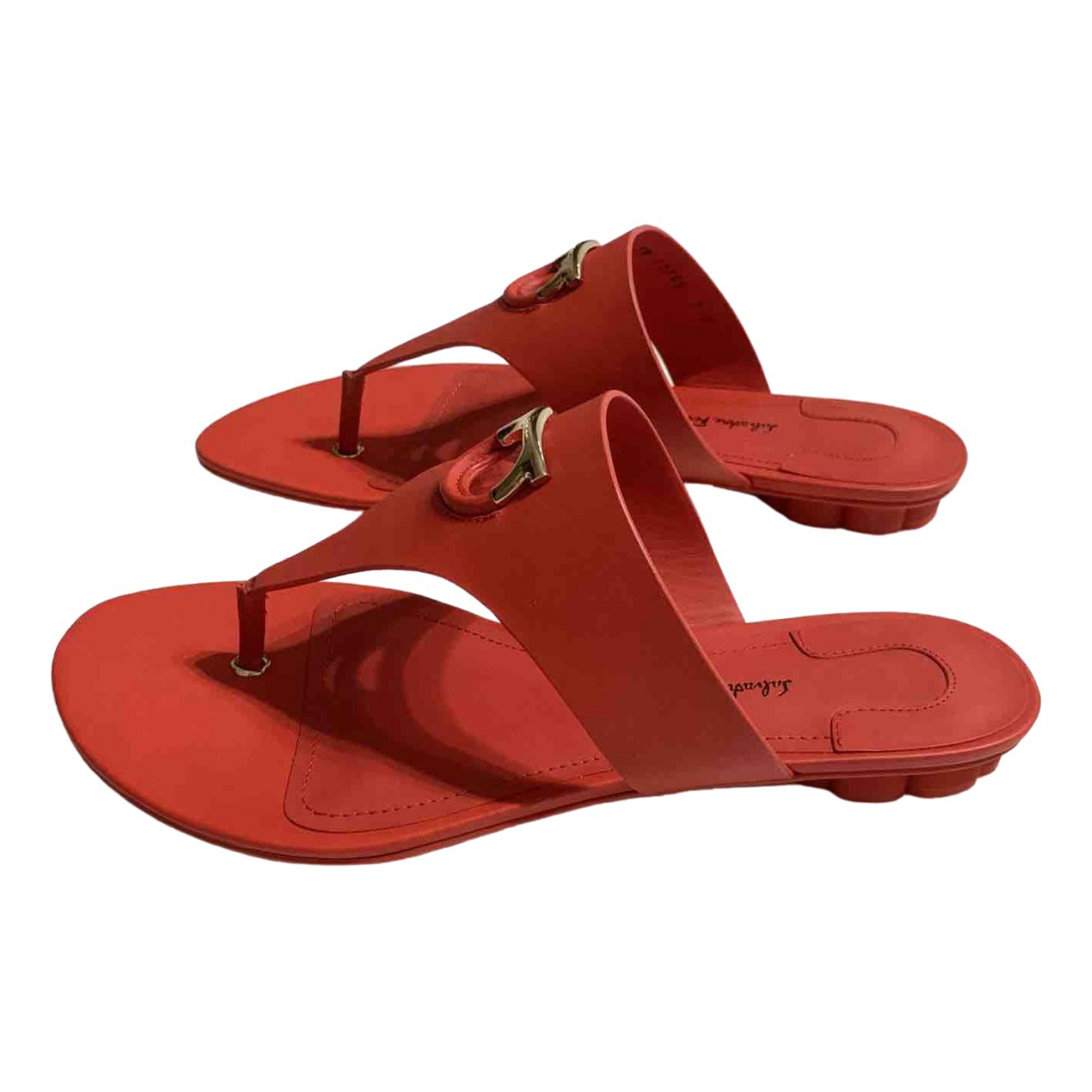 Salvatore Ferragamo \N Red Leather Sandals for Women 37.5 EU